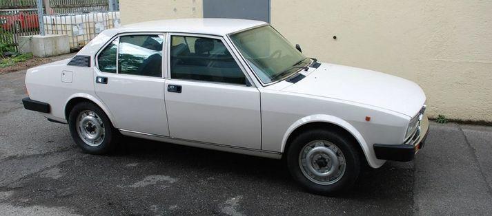 Skotheldi Alfa Romeo Alfetta sem Muto átti í meira en 30 ár.