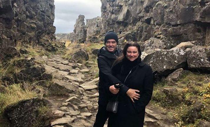 Pierce Brosnan og Keely Shaye Brosnan á Þingvöllum.