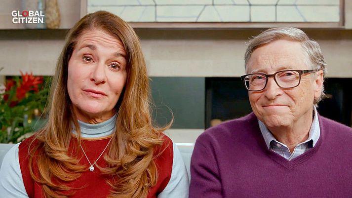 Hjónin Bill og Melinda Gates kynntust hjá Microsoft á sínum tíma, þar sem Melinda var markaðsstjóri. Þau eignuðust þrjú börn en nú skilja leiðir.