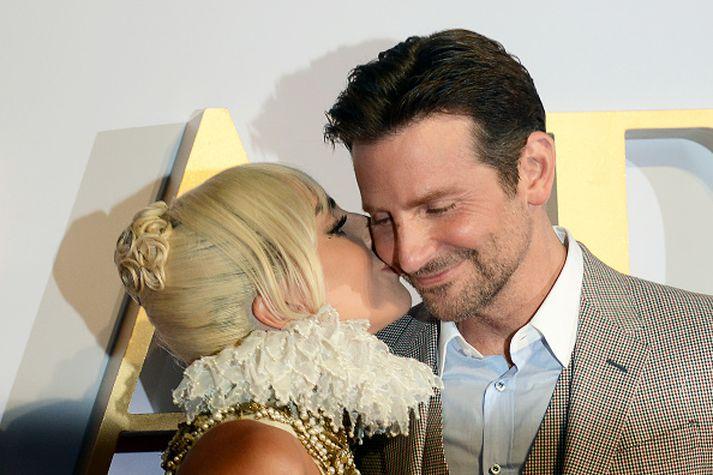 Margir netverjar halda í þá von að Bradley Cooper og Lady Gaga taki saman.