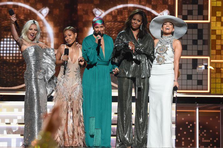 Lady Gaga, Jada Pinkett Smith, Alicia Keys, Michelle Obama og Jennifer Lopez vöktu mikla lukku á Grammy-verðlaunahátíðinni í gær.