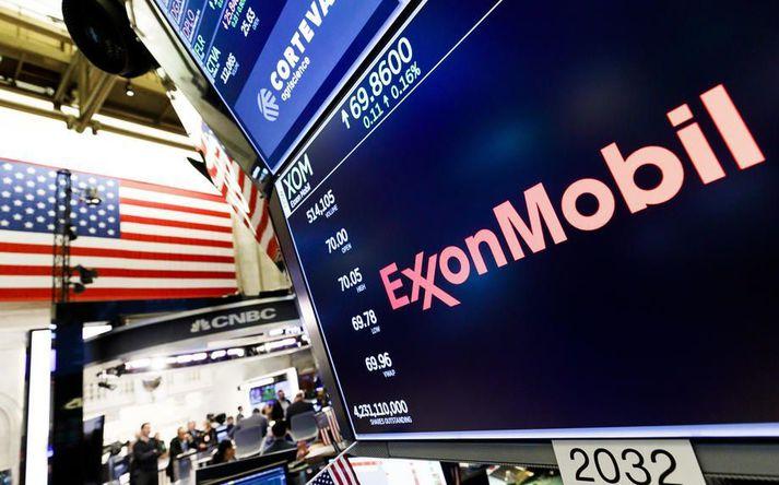 """Exxon Mobil er eitt stærsta olíufyrirtæki heims. Það hefur verið sakað um að """"grænþvo"""" ímynd sína undanfarin ár. Málafylgjumaður þess staðfesti það á leynilegri upptöku."""