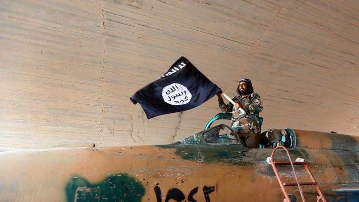 Samtökin ISIS-K voru sett á laggirnar árið 2015 þegar völd ISIS voru sem mest í Írak og Sýrlandi. Samtökin samanstanda af afgönskum og pakitönskum öfgamönnum sem margir hverjir yfirgáfu Talibana, þar sem þeir töldu þá ekki nógu róttæka.