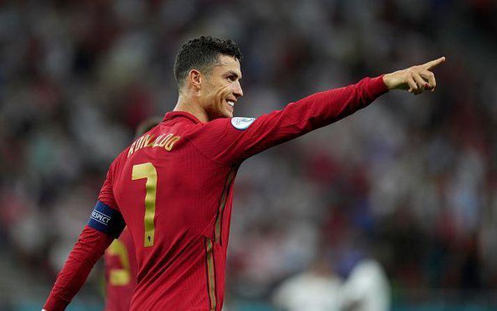 Ronaldo var sáttur með vítaspyrnuna.