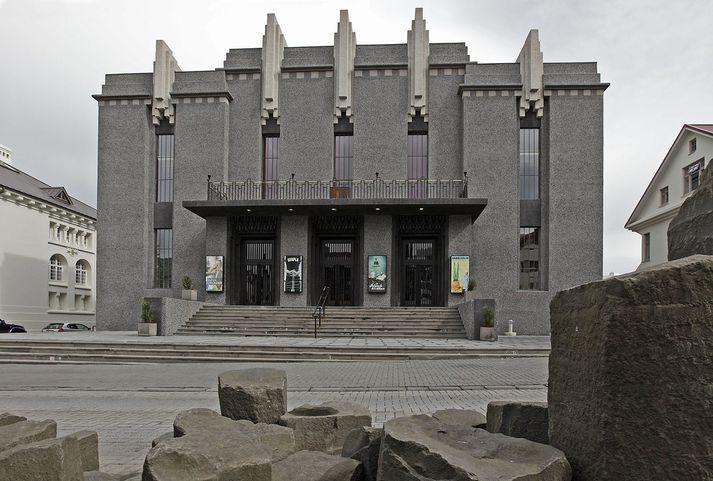 Nýtt þjóðleikhúsráð tekur við eftir mánaðamót.