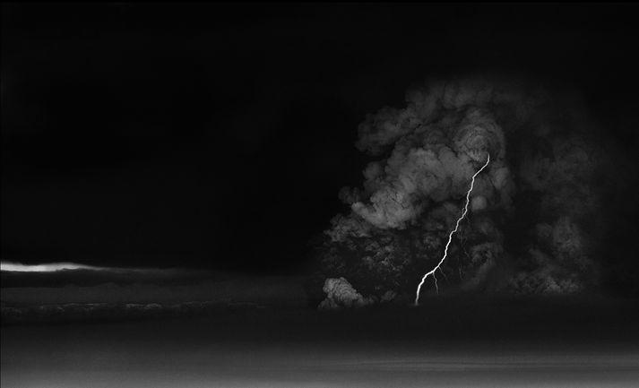 """Ragnar Axelsson segir að það sé mikilvægt að """"panikka"""" ekki í aðstæðum eins og hann lenti í fyrir ofan gosið í Grímsvötnum árið 2011. Þannig nái hann að halda skýrri hugsun."""