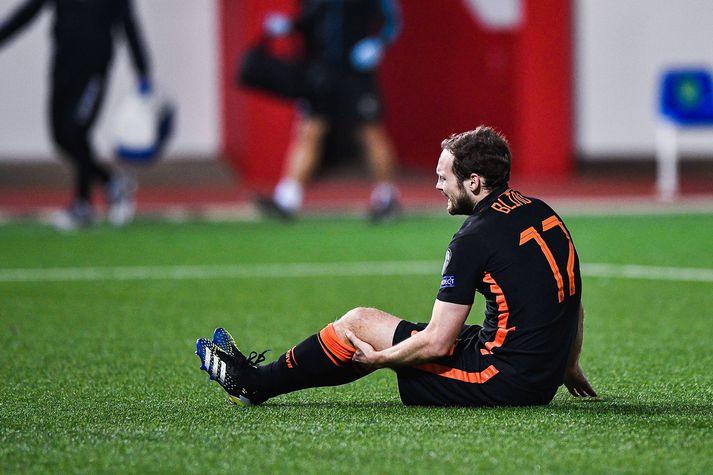 Það var strax ljóst að eitthvað slæmt hafði gerst eftir að Blind festi takkana í gervigrasinu er Holland lagði Gíbraltar 7-0 á útivelli.
