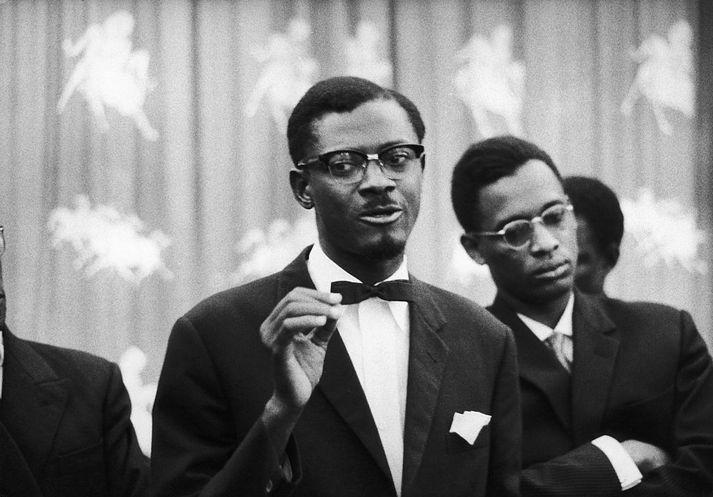 Patrice Lumumba var handtekinn og fangelsaður eftir valdarán hersins. Hann var síðar ráðinn af dögum.