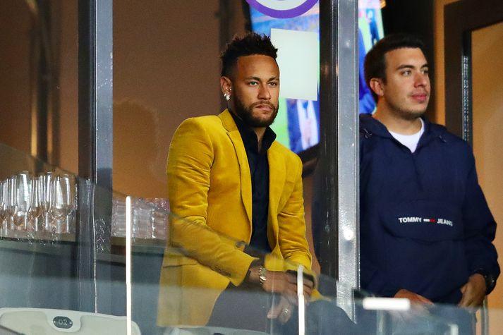 Neymar á undanúrslitaleik Argentínu og Brasilíu í Suður-Ameríkukeppninni.