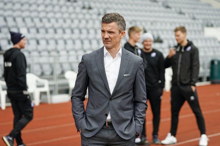 Guðni Bergsson, formaður KSÍ, bíður með ráðninguna þar til á næsta ári.