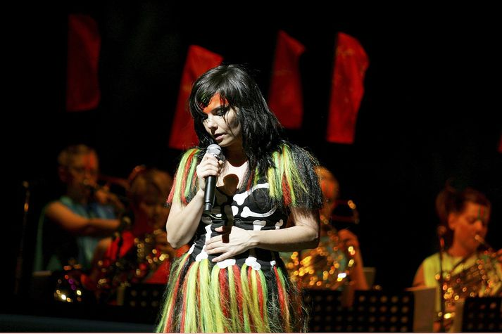 Björk Guðmundsdóttir á tónleikum.