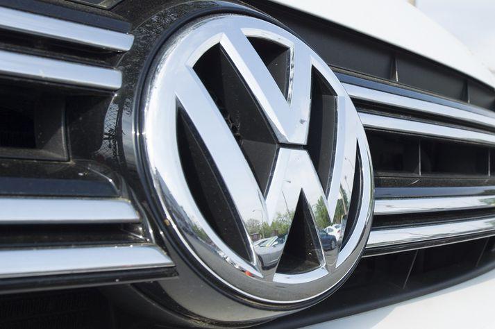 Volkswagen notaði sérstakan hugbúnað sem dró úr útblæstri dísilbíla þegar þeir voru settir í próf. Bílarnir menguðu hins vegar meira þegar þeir voru komnir á göturnar.