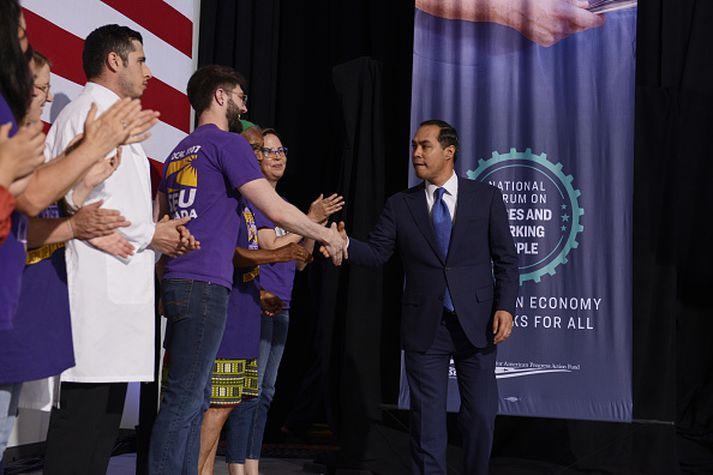 Julián Castro var yngsti ráðherrann í ríkisstjórn Obama á árunum 2014 til 2017.