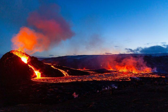 Erupcja trwa już 10 dni.