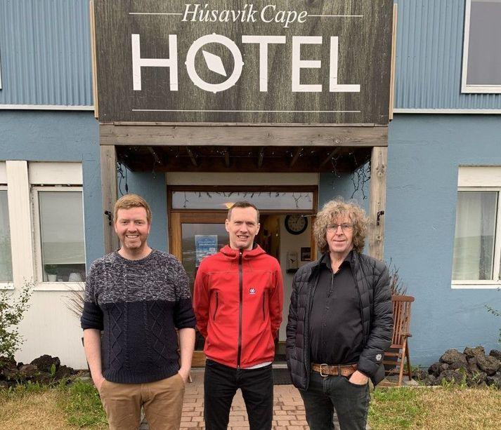 Hvati og Örlygur Hnefill Örlygsson, hótelstjóri Cape Hotel á Húsavík