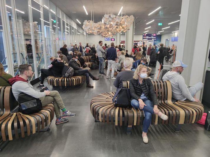 Na lotnisku w Keflaviku przeprowadzono wczoraj około 900 testów.