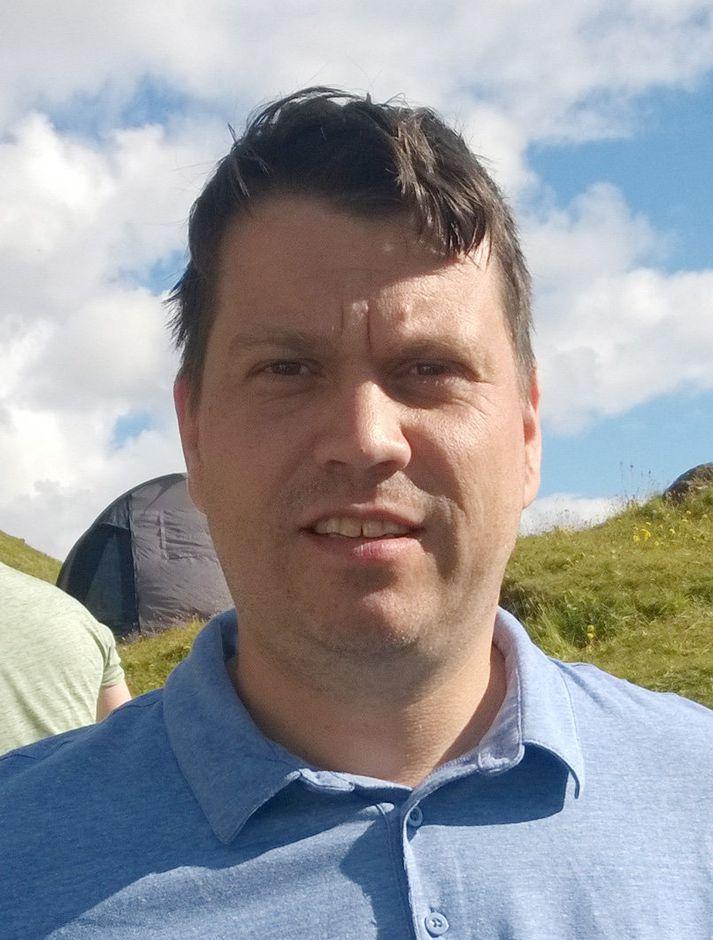 Elís Jónsson vill prófkjör.
