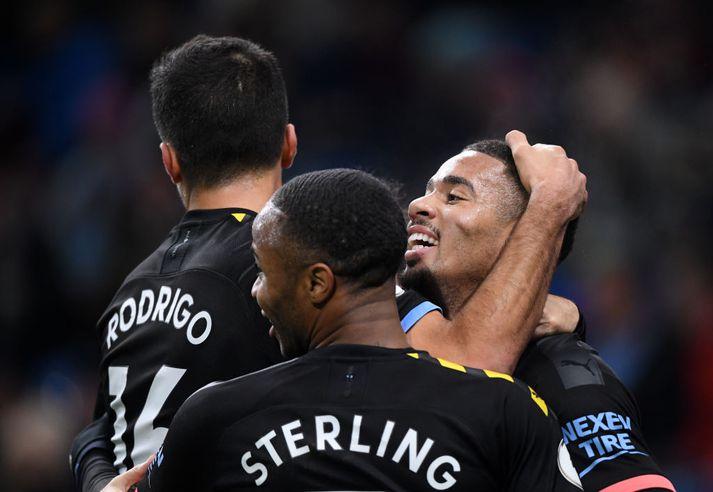 Jesus, Sterling og Rodrigo fagna.