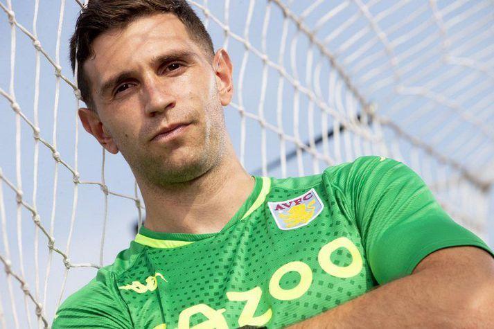 Emiliano Martinez er nýr markvörður Aston Villa.