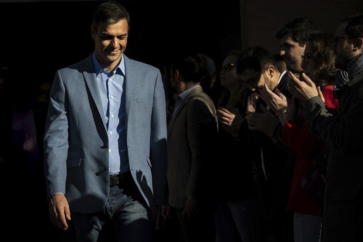 Sósíalistaflokkur forsætisráðherrans Pedro Sánchez er sigurvegari kosninganna samkvæmt fyrstu útgönguspá með 28,1% atkvæða.