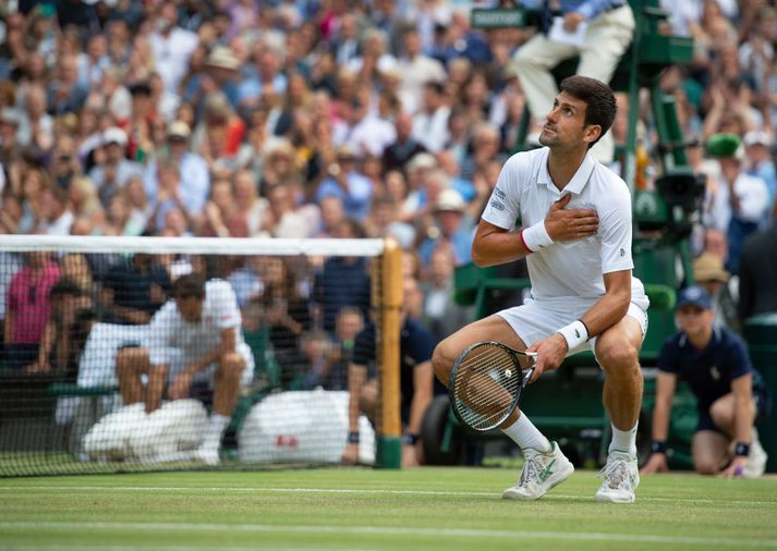 Novak Djokovic hafði betur í einum ótrúlegasta úrslitaleik í manna minnum