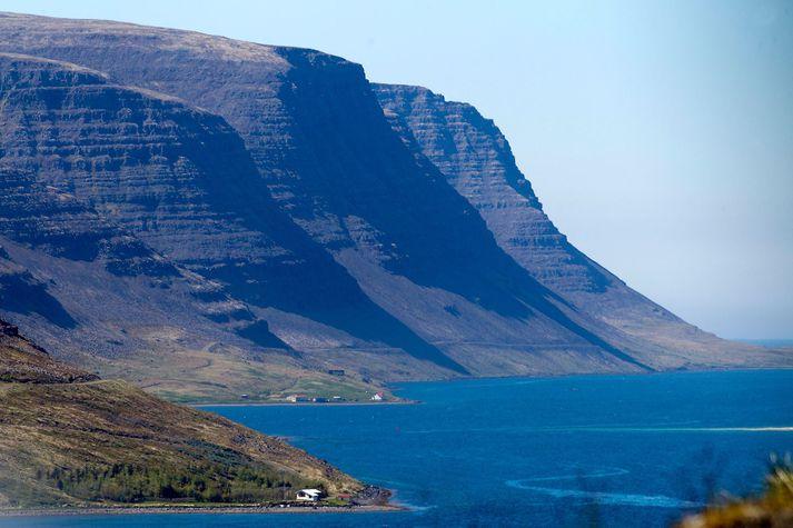 Arnarlax er með nokkur eldissvæði, þar á meðal í Tálknafirði, þar sem vottunarferli stendur yfir.