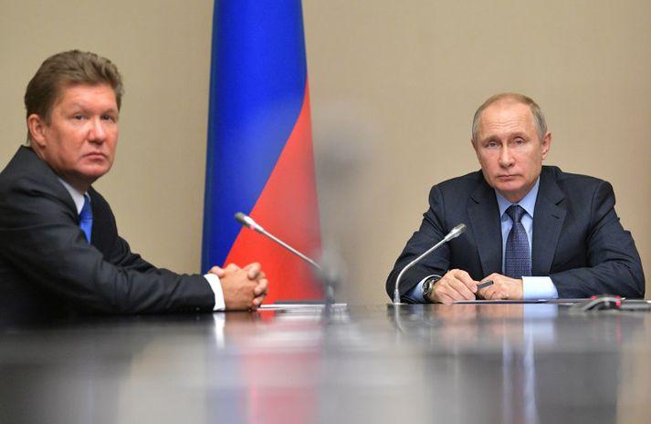 Alexei Miller, forstjóri orkurisans Gazprom, (t.v.) er á lista Bandaríkjastjórnar yfir rússneska ólígarka. Hann gæti orðið einn af þeim sem fá að kenna á refsiaðgerðunum.