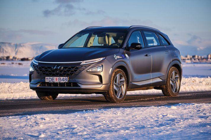 Hyundai Nexo vetnisbíllinn er bæði laglegur að utan sem innan, hlaðinn nýjustu tækni og umfram allt frábær akstursbíll.
