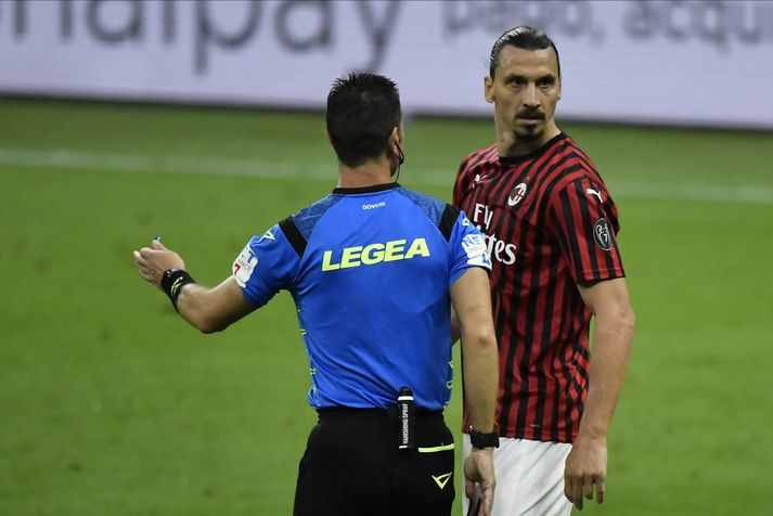 Zlatan Ibrahimovic verður væntanlega áfram hjá AC Milan.