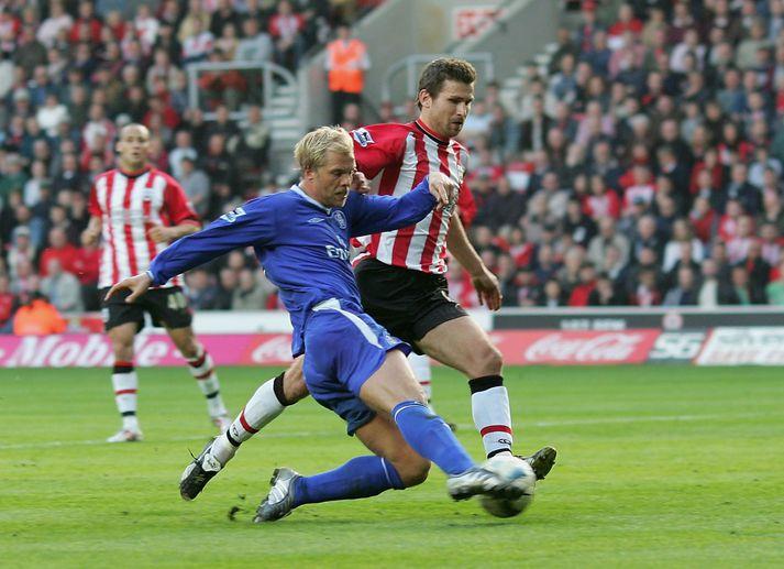 Eiður Smári skorar gegn Southampton 2. apríl 2005.