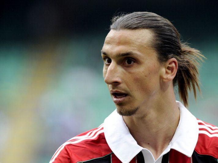Zlatan í leik með AC á sínum tíma.