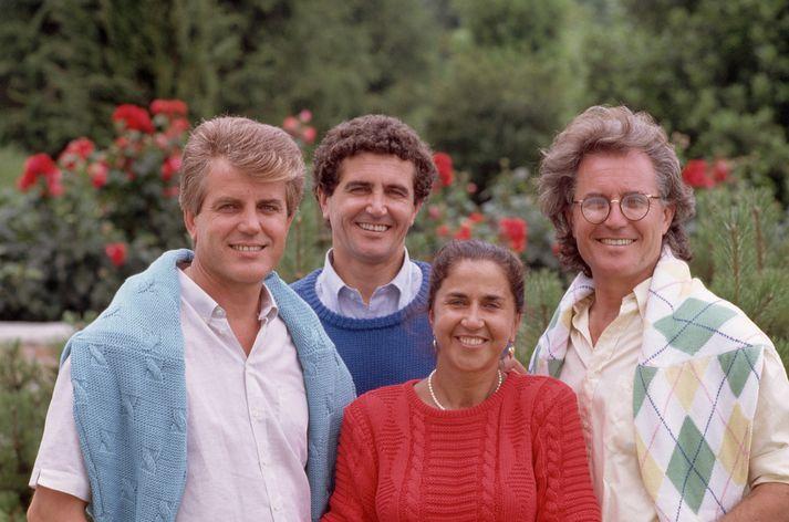 Benetton-systkinin árið 1975. Carlo, Gilberto, Giuliana og Luciano.