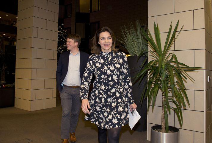 Rósa Björk Brynjólfsdóttir og Andrés Ingi Jónsson greiddu atkvæði gegn málefnasamningi nýrrar ríkisstjórnar á flokksráðsfundi Vinstri grænna í gærkvöldi.
