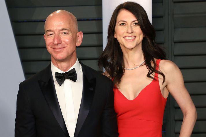 Jeff Bezos og MacKenzie Scott skildu á síðasta ári.