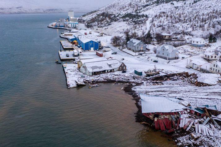 Mannvirki Síldarvinnslunnar á Seyðisfirði sluppu, en rafmagn fór af byggingunum.