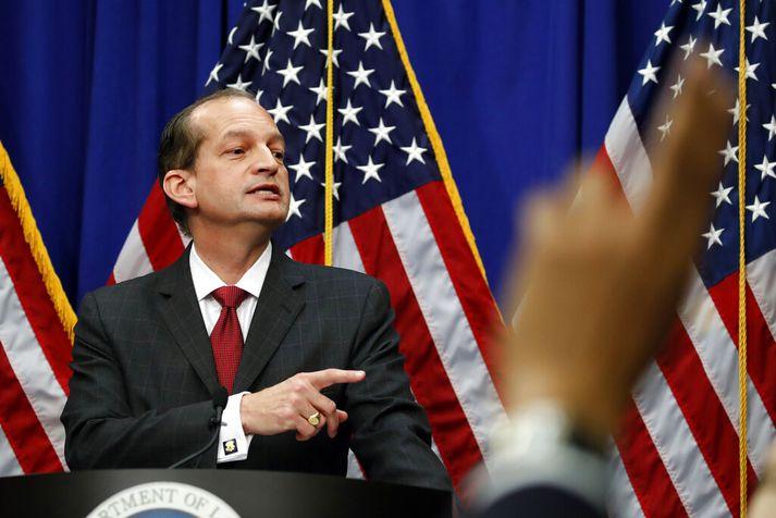 Acosta vildi ekki svara því beint hvort hann sæi eftir ákvörðuninni um að fella ákæruna á hendur Epstein niður.