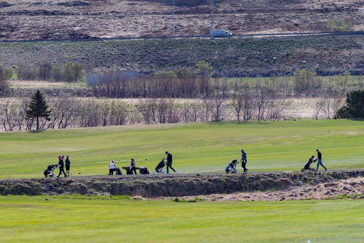 Lögreglumenn vísaði kylfingum af Hólmsvelli við Leiru í dag. Myndin er þó frá Korpu, en þar er einnig óheimilt að spila golf líkt og annars staðar.