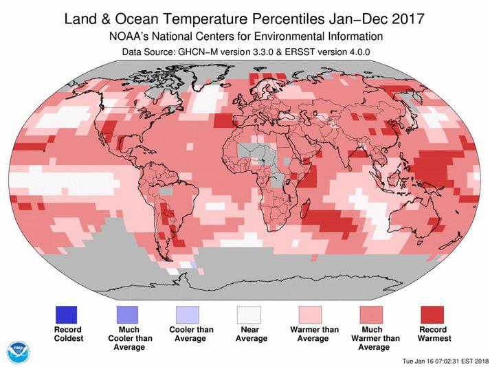 Kort NOAA sem sýnir frávik frá meðaltalshita 20. aldar á jörðinni árið 2017.