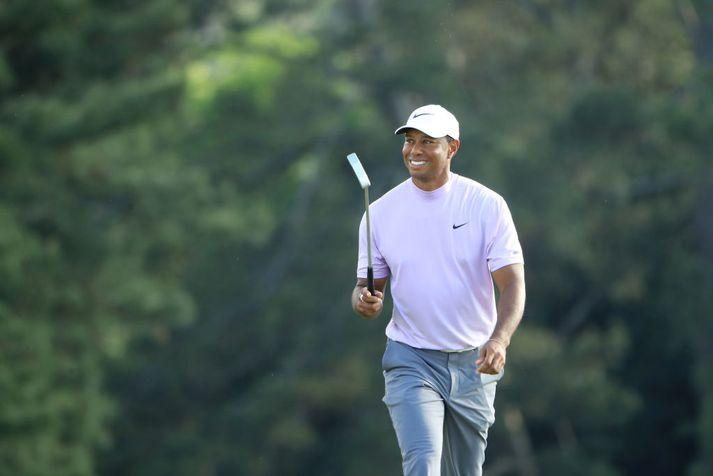 Tiger Woods er í baráttunni.