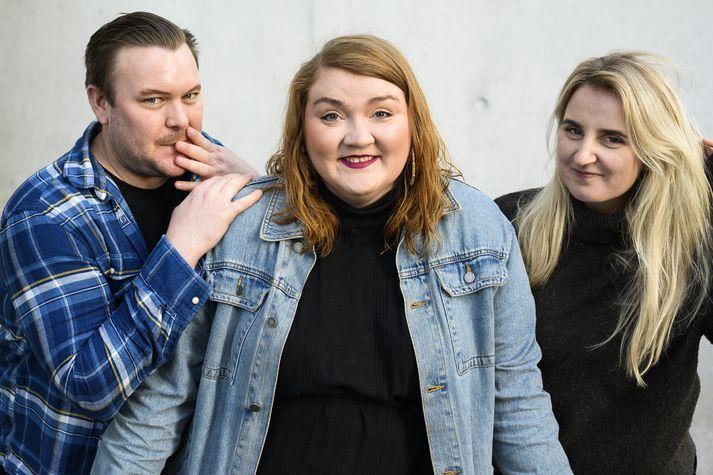Jonathan, Ebba og Snjólaug skemmta gestum á Hard Rock í kvöld.