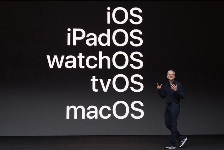 Tim Cook, forstjóri Apple á ráðstefnunni í gær.