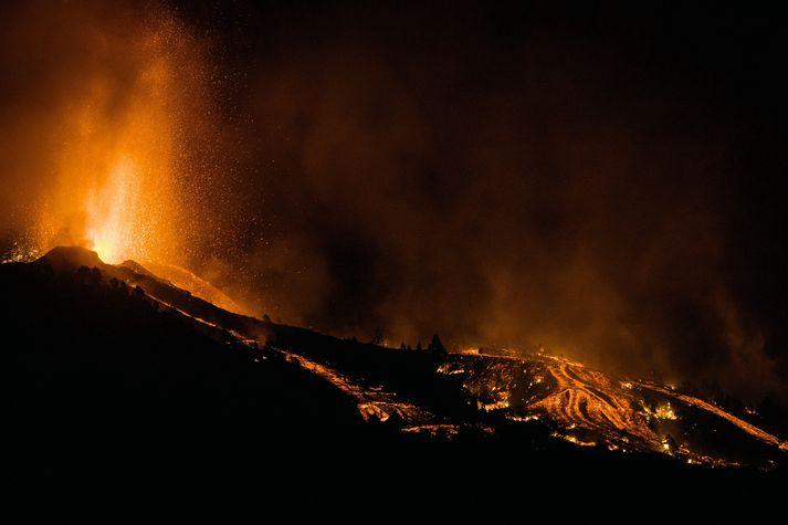 Aukinn kraftur er í eldgosinu á La Palma.