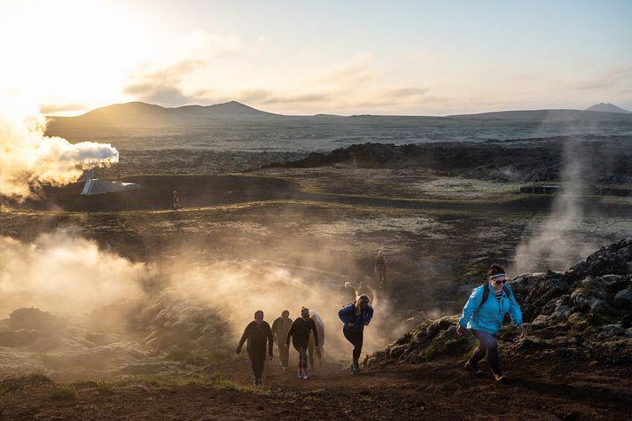 Margir hellar eru á svæðinu á Reykjanesskaga, meðal annars í Eldvörpum.
