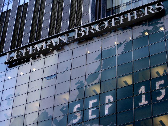 Lehman Brothers var einn stærsti fjárfestingarbanki í heimi þegar hann riðaði til falls hinn 15. september 2008 sama dag og þessi mynd var tekin af höfuðstöðvum bankans í New York.
