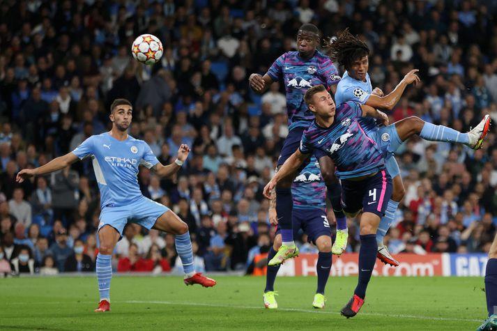 Nathan Aké skoraði fyrsta mark Manchester City gegn Leipzig í Meistaradeild Evrópu í gær.