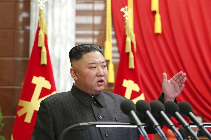 Kim Jong-un er ekki sagður sá eini sem þrái hágæðaáfengi og fín jakkaföt, heldur elítan í höfuðborginni öll.
