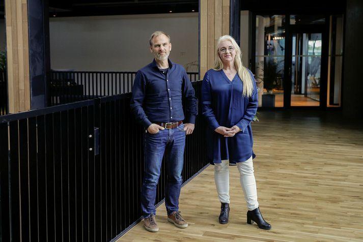Gunnar Haugen og Erna Arnardóttir í nýjum höfuðstöðvum CCP í Grósku, Vatnsmýri.