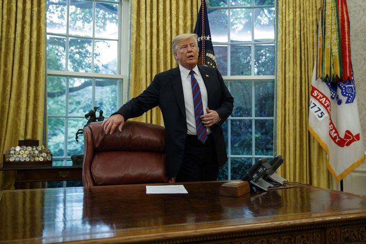 Trump hefur lengi kvartað undan gamla samkomulaginu, sem kallast NAFTA, og segir það hafa leitt til þess að störfum hafi fækkað í Bandaríkjunum.