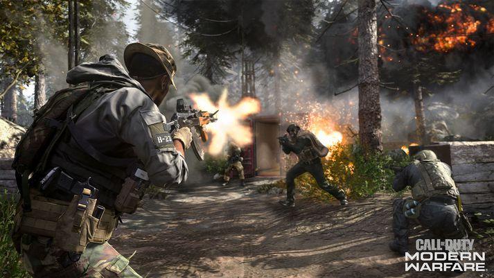 Call of Duty hefur fundið rætur sínar á nýjan leik og fela þær að mestu í sér að skjóta vonda Rússa.