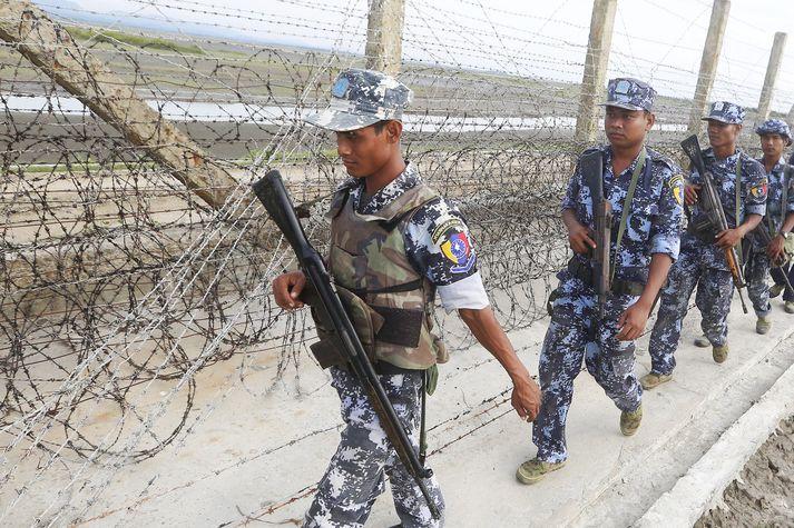 Við landamæri Mjanmar og Bangladess.